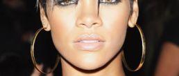 Rihanna luciendo su nuevo estilo