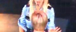 Video del fan de Brit sobre el escenario