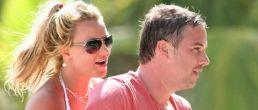Revista People confirmó el romance entre Britney y su agente