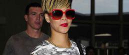 Añadan rubio al nuevo look de Rihanna!