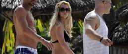 Britney Spears en sexy bikini negro