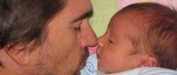 """La primera foto de Juanes y su tercer hijo """"Dante"""""""