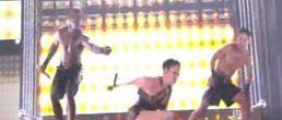 La caida de Jennifer Lopez en los American Music Awards 2009