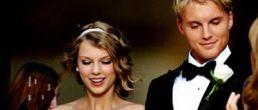 Preview del video Mine de Taylor Swift