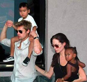 Brad Pitt y Angelina Jolie en familia