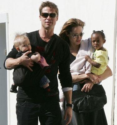 Brad Pitt y Angelina con Zahara y Shiloh
