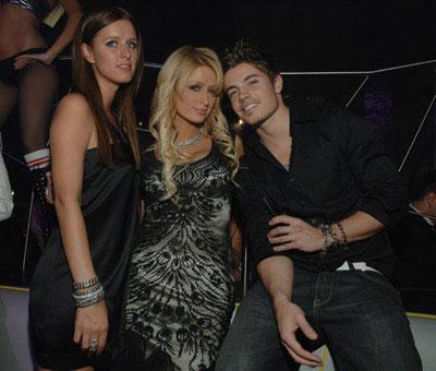 Nicky y Paris Hilton cumpleaños Hefner