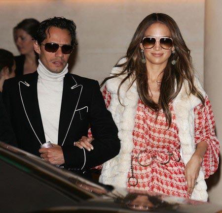 Jennifer Lopez vestida con calaveras 2