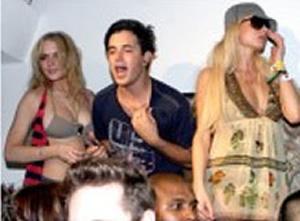 Lindsay Lohan de fiesta con Paris Hilton
