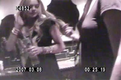 Lindsay Lohan drogándose 3