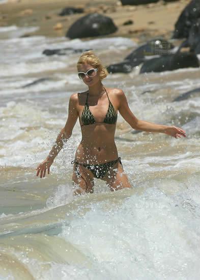 Paris Hilton en la Playa 5