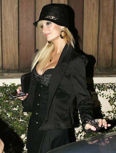 Paris Hilton volvió a las fiestas 2