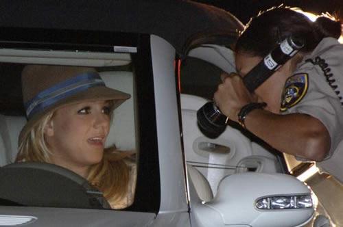 Britney y el susto con la policía 3