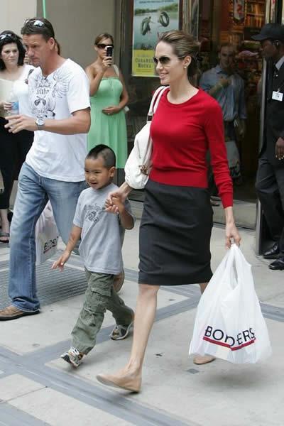 Demacrada figura de Angelina Jolie 2