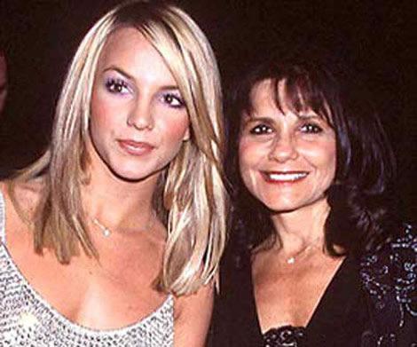 Mamá de Britney escribirá libro de paternidad