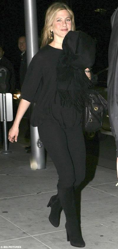 Jennifer Aniston niega el rumor de embarazo