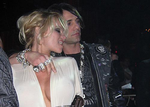 Criss Angel detrás del casi divorcio de Pamela Anderson