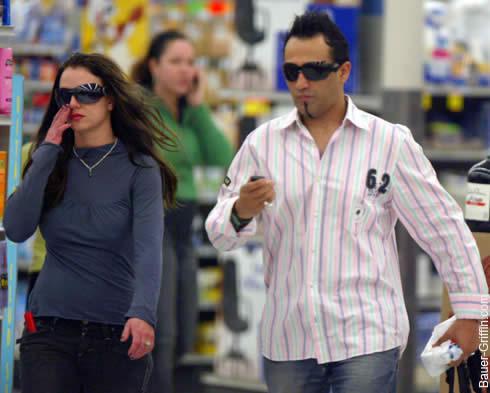 Britney y su prueba de embarazo 3
