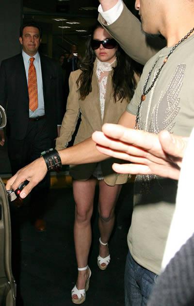 Britney salió vestida de novia 2