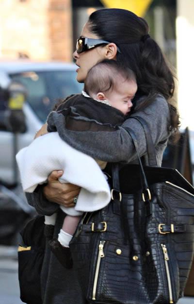 Salma Hayek y su hija Valentina 4