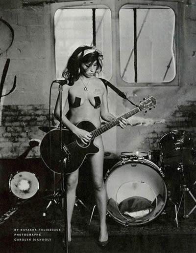 Amy Winehouse desnuda
