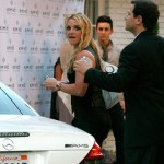 Britney pague sus cuentas 2
