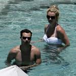 Britney seguirá bajo custodia