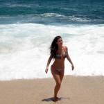 kim_kardashian_bikini_10
