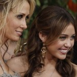 miley-cyrus-globes-4