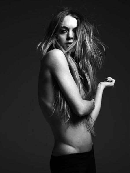 topless_lindsay_lohan
