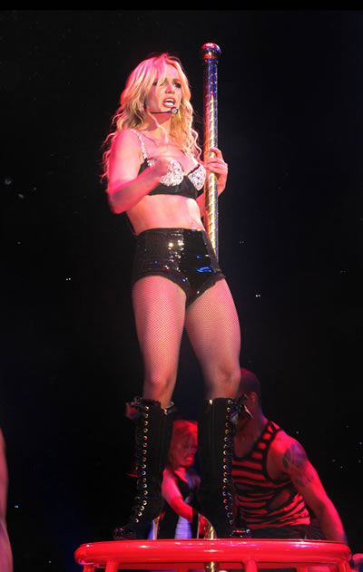 britney_spears_circus_tour