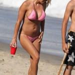 pam_anderson_bikini_rosa_6