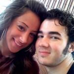 kevin_jonas_comprometido_2