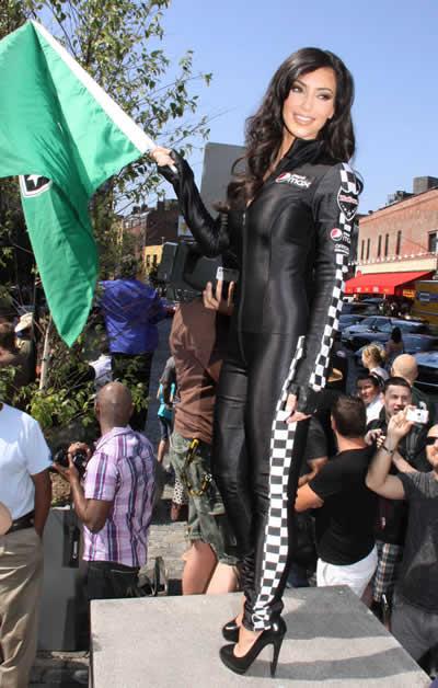 kim_kardashian_chica_bandera_4