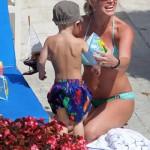 britney_spears_bikini_piscina_hijos_19