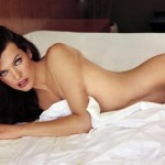 milla_jovovich_desnuda_maxim_port