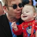 Elton Jhon bebe ucraniano Lev