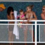 britney_familia_spears_piscina