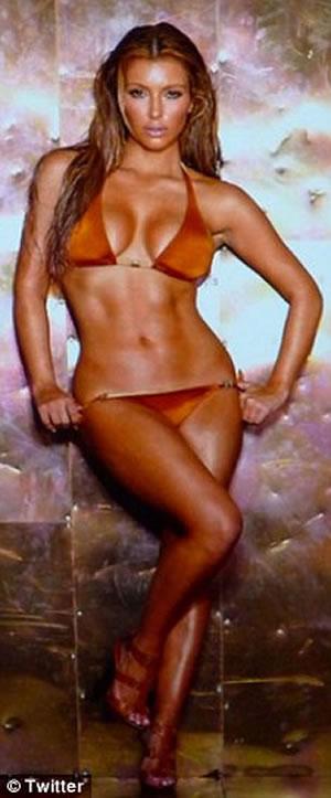 kim_kardashian_luce_bikini_2