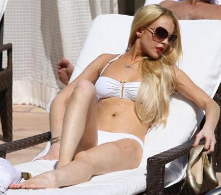 lindsay_bikini_blanco