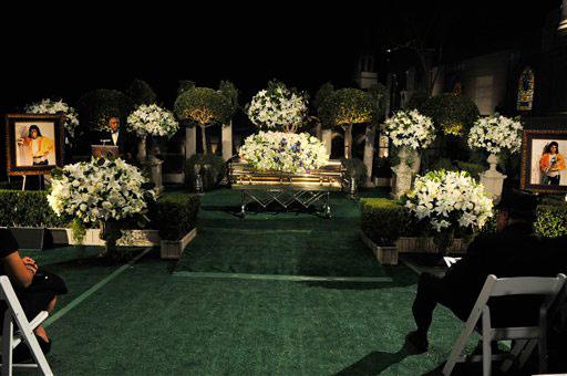 michael_jackson_fue_enterrado_7