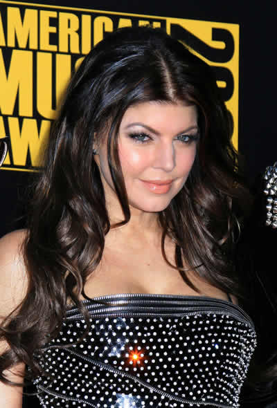 2009_American_Music_Awards_Fergie_2