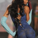victoria_secret_fashion_show_2009_chanel_iman_2