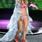 victoria_secret_fashion_show_2009_doutzen_kroes_3