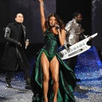 victoria_secret_fashion_show_2009_fergie_3