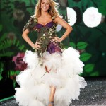 victoria_secret_fashion_show_2009_heidi_klum