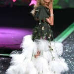victoria_secret_fashion_show_2009_heidi_klum_6