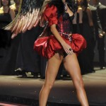 victoria_secret_fashion_show_2009_marissa_miller_2
