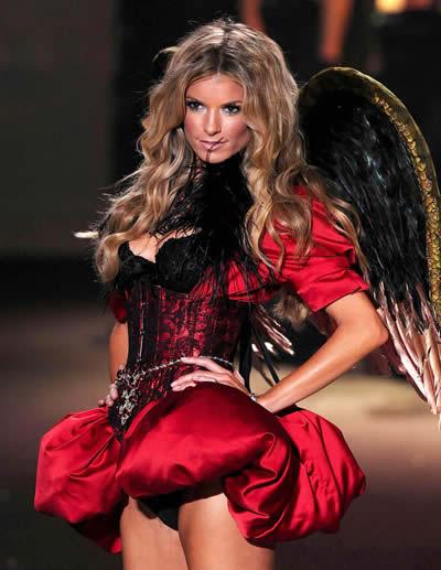 victoria_secret_fashion_show_2009_marissa_miller_5