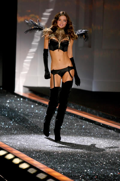 victoria_secret_fashion_show_2009_miranda_kerr